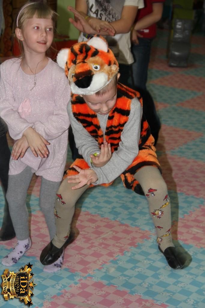 Зажигательный тигрёнок