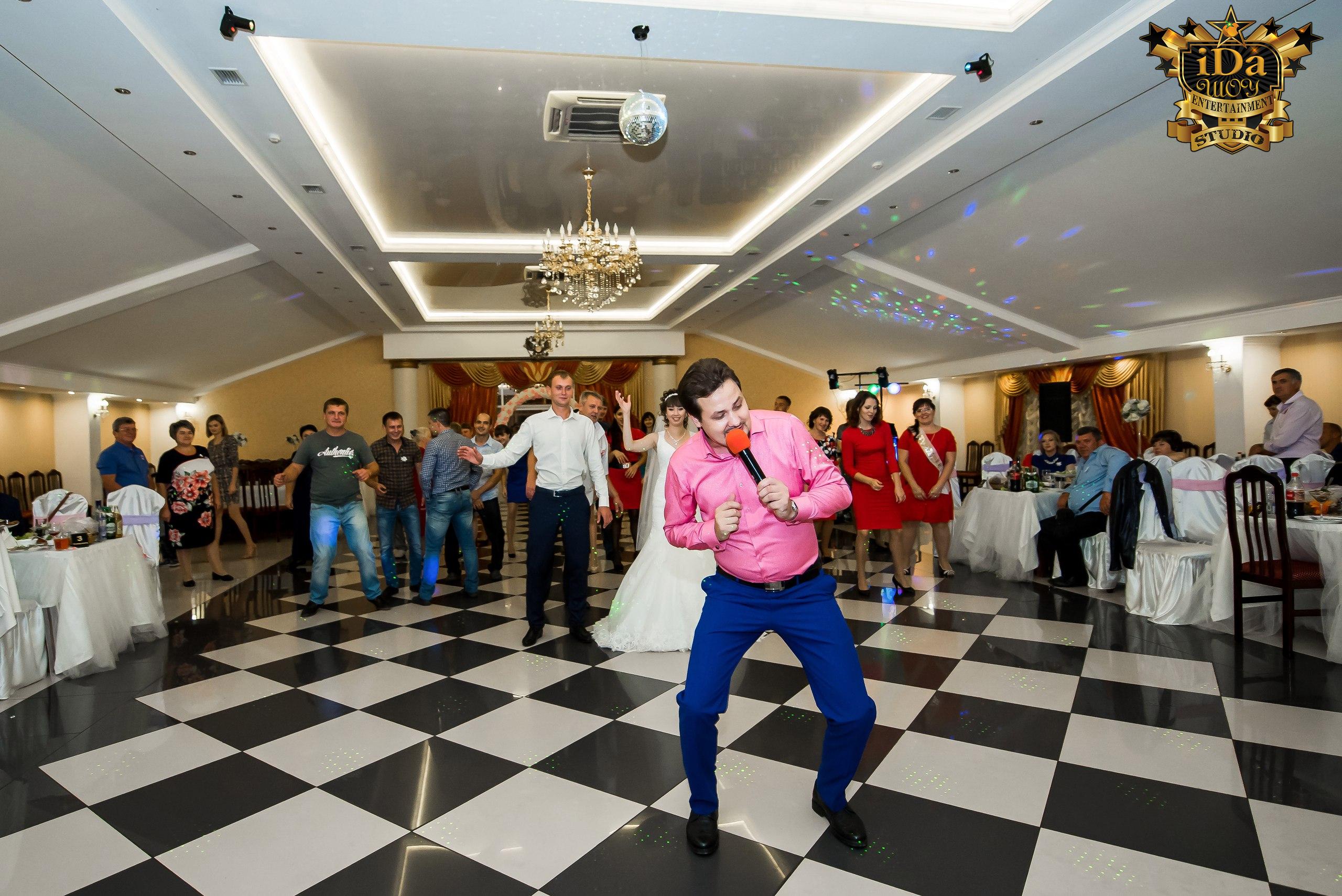 Танцуем флешмоб с молодыми