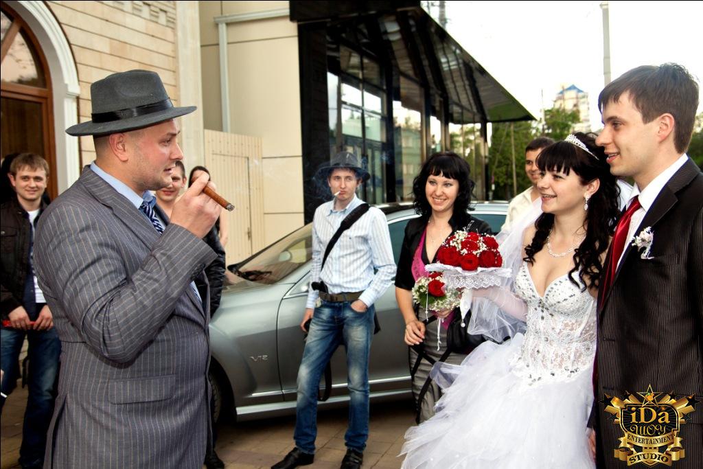 Красиво встретили молодых. Креативная свадьба в стиле Чикаго 30х