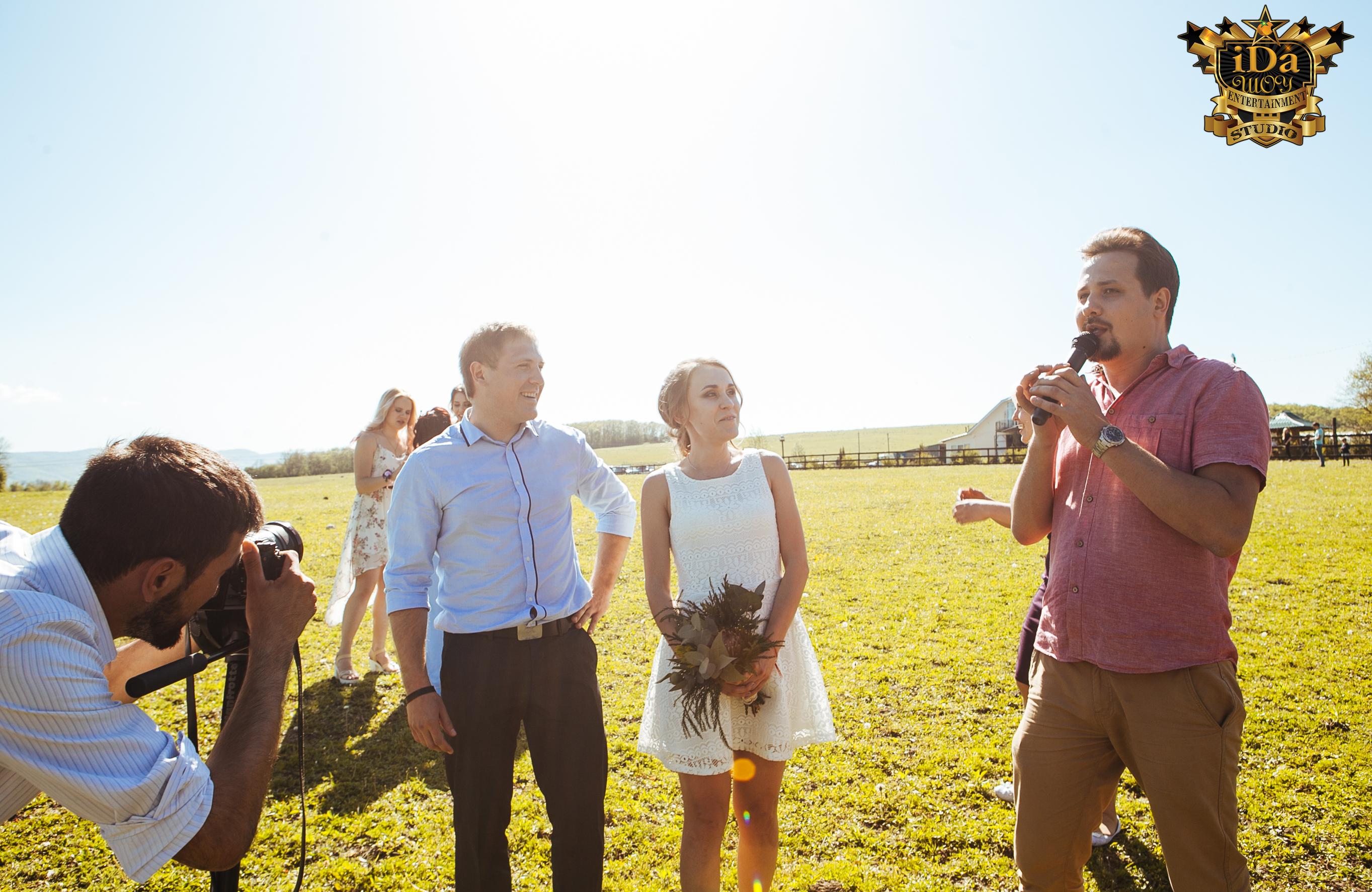 В чистом поле. Креативная свадьба на природе