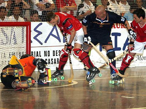 Switzerland-Spain_final_2007_rink_hockey