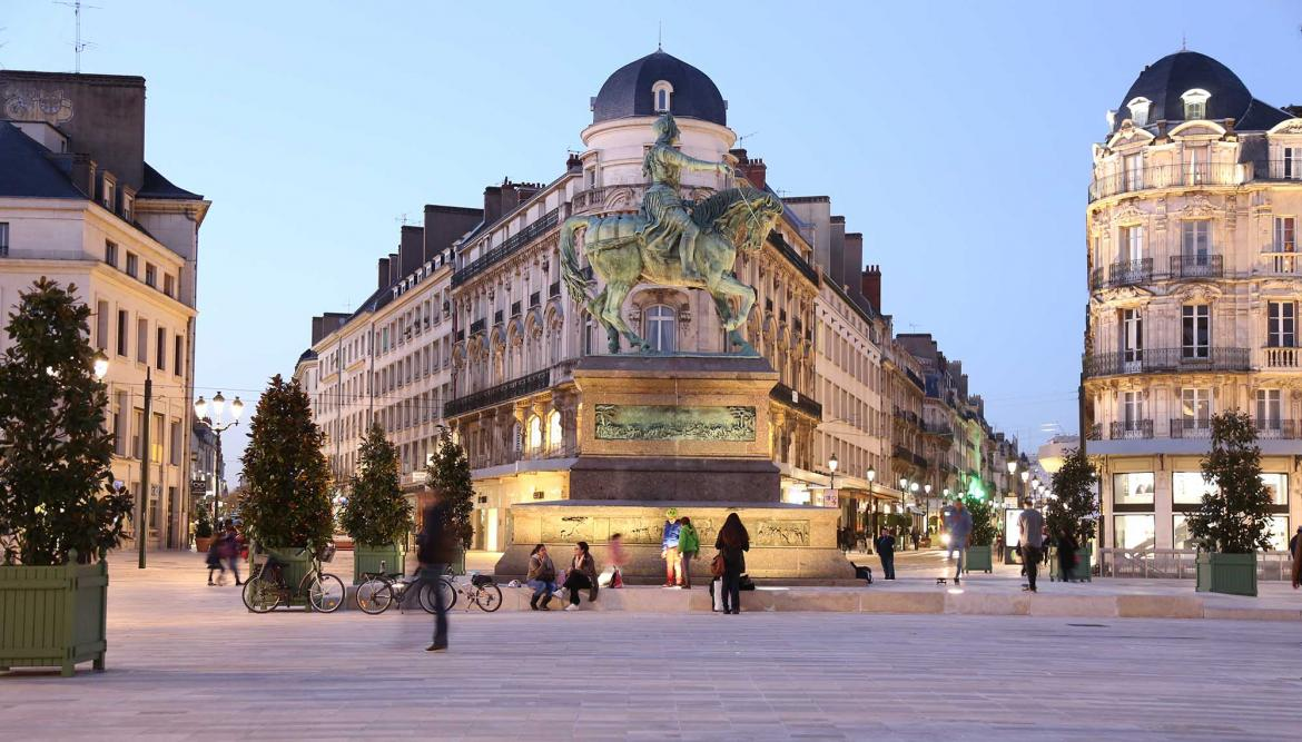 Grand_Hotel_Orleans_place-du-martroi-tom