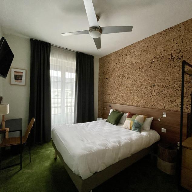 Urban Jungle Hotel Orleans- WOOD