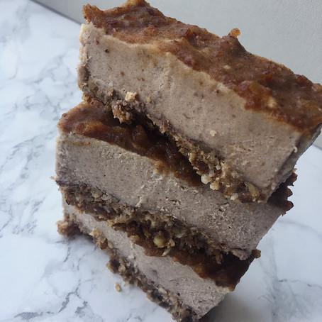 Banana Caramel Cheesecake Bars Recipe (Raw, Vegan, GF, SF)