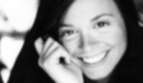 Oriella Iannuzzi è socia fondatrice e attrice della Compagnia Teatrale AGO teatro