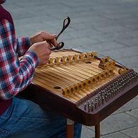 Santoor playing.jpg