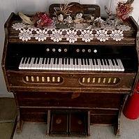 Reed organ.jpg