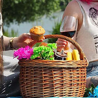 Picnicking.jpg