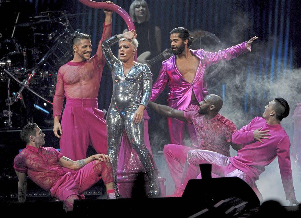 Tour Dancers