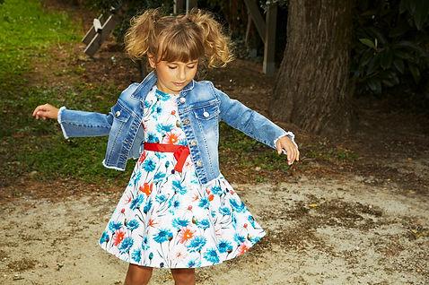 Yours by 02Tandem Abbigliamento - Bambina con abito a fiori - Coll. Estate 2021 - Baby 3 - 7 anni