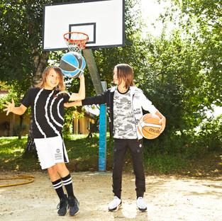 Yours by 02Tandem Abbigliamento - Bambini tuta sportiva - Coll. Estate 2021 - Junior 8 - 16 anni