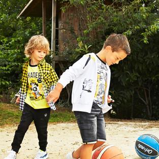 Yours by 02Tandem Abbigliamento - Bambini con abbigliamento sportivo - Coll. Estate 2021 - Baby 3 - 7 anni