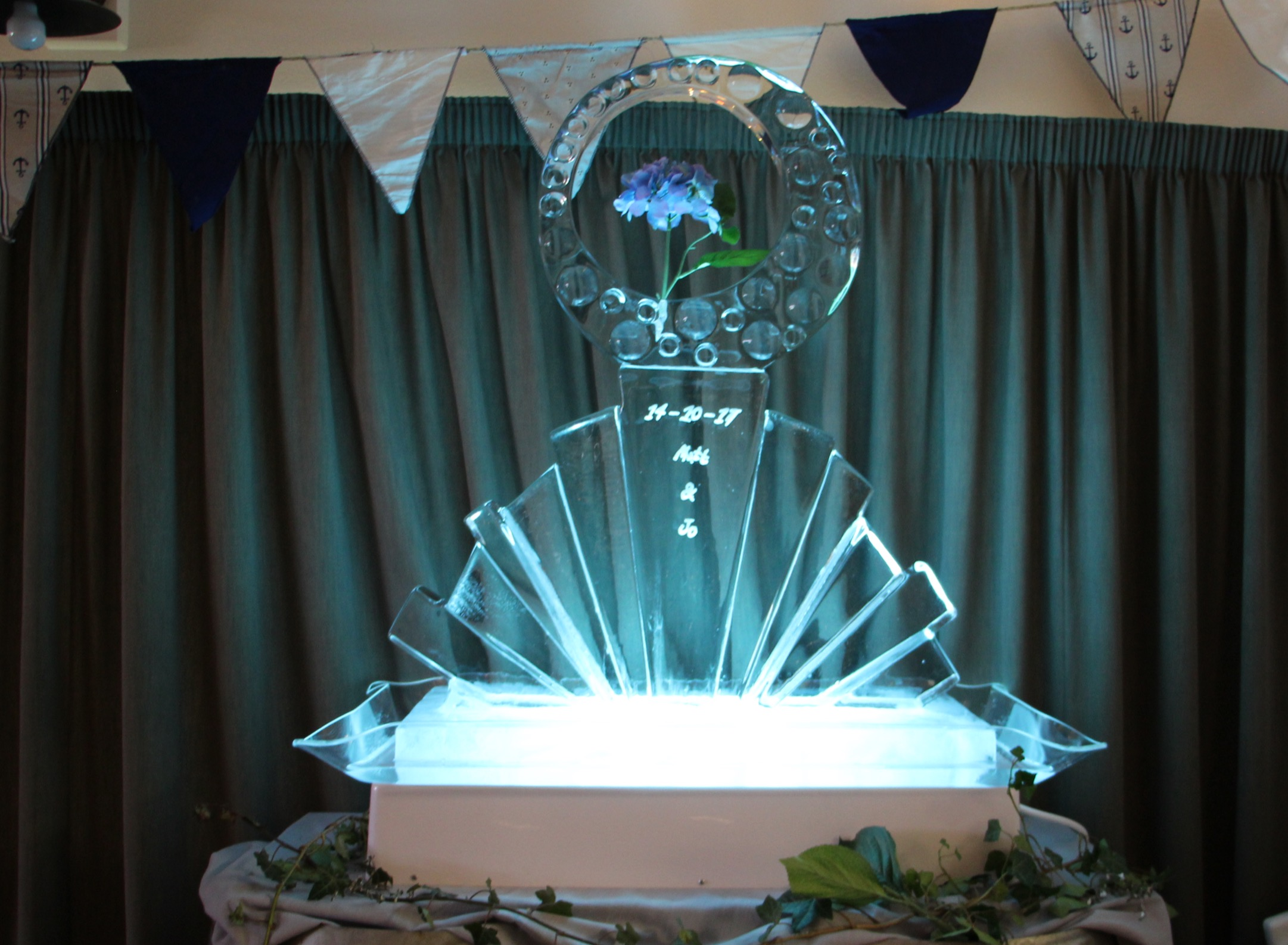 Wedding Ice Sculpture, Lake Hayes Pavilion, Queenstown