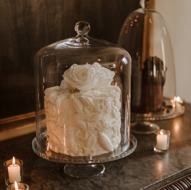 DOMED WEDDING CAKES