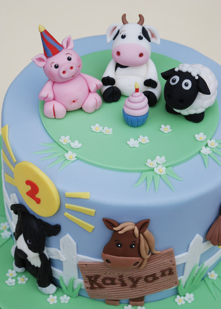 Fun on the Farm cake