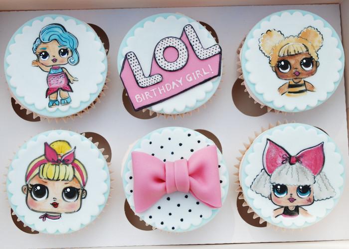 LOL Doll cupcakes