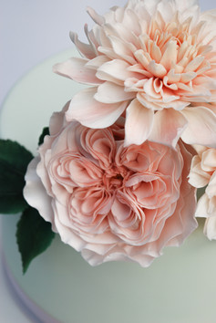 Cafe au Lait Dahlias & David Austin Rose