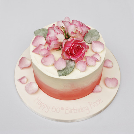 Buttercreamed cake with Crystalised Roses