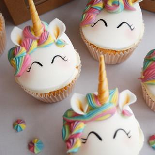Unicorn cupcakes (5)-2.jpg