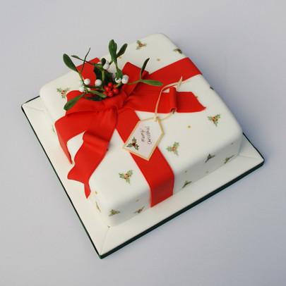 Mistletoe & Holly cake
