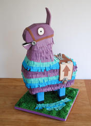 Loot Lama Pinata cake