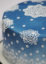Sugar Lace Snowflake cakes
