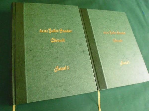 Halbleder grün mit Prägung gold