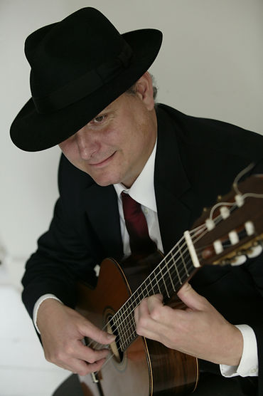 David Caswell-classical guitar-music for weddings