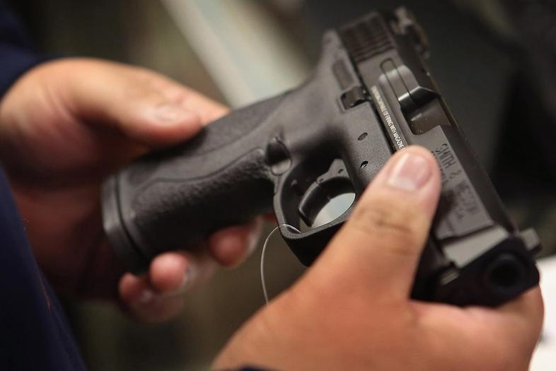 El rol de las armas en femicidios y otras violencias