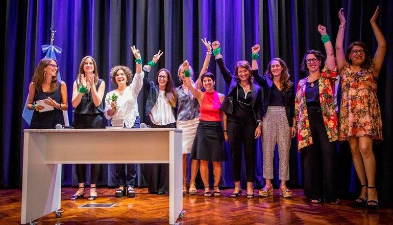 Mujeres, Géneros y Diversidad