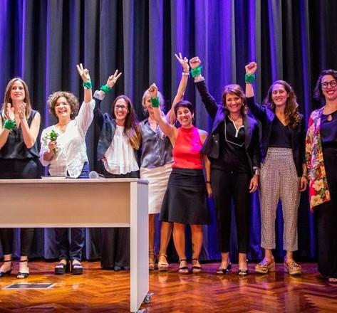 El Ministerio de las Mujeres, Géneros y Diversidad impulsará acciones para el control del uso de armas