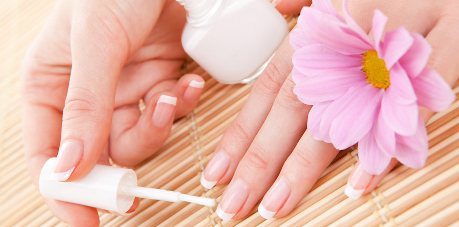 15 Daily Habits of Women With Amazing Nails