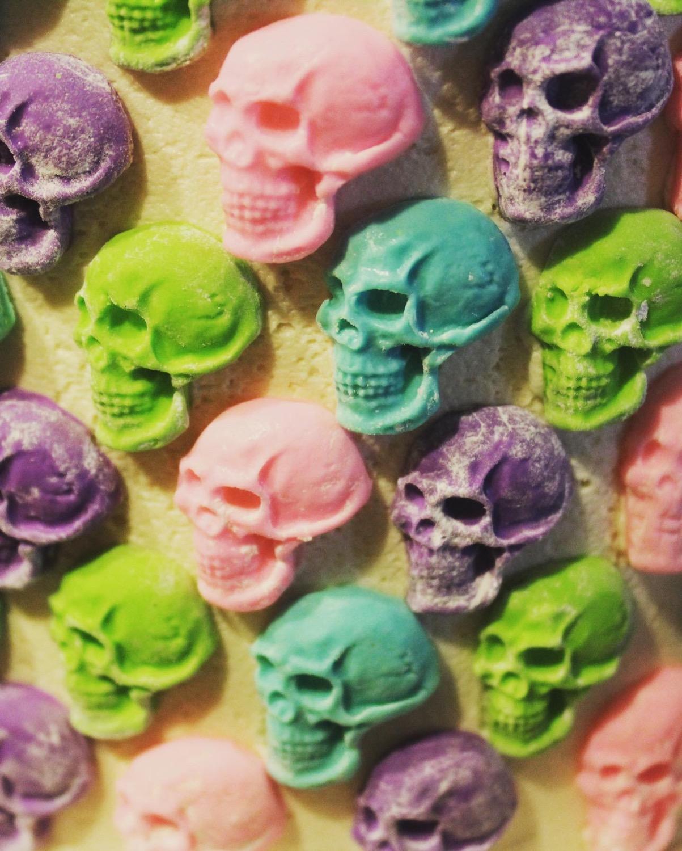 Edible (Fondant) Skulls