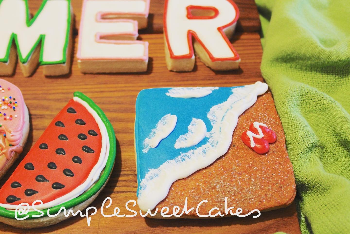 Decorated Sugar Cookie - Beach Scene (Re
