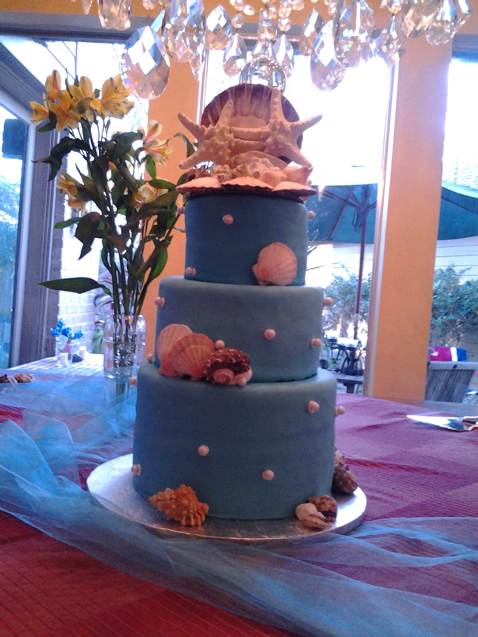 Seashells & Pearls Wedding Cake