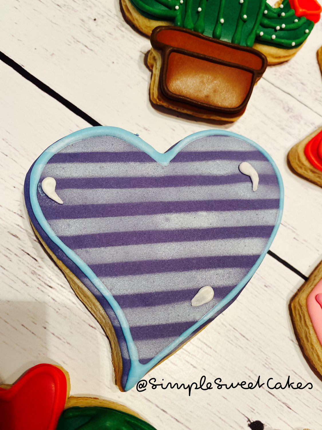 Valentines Cookie - Striped Heart