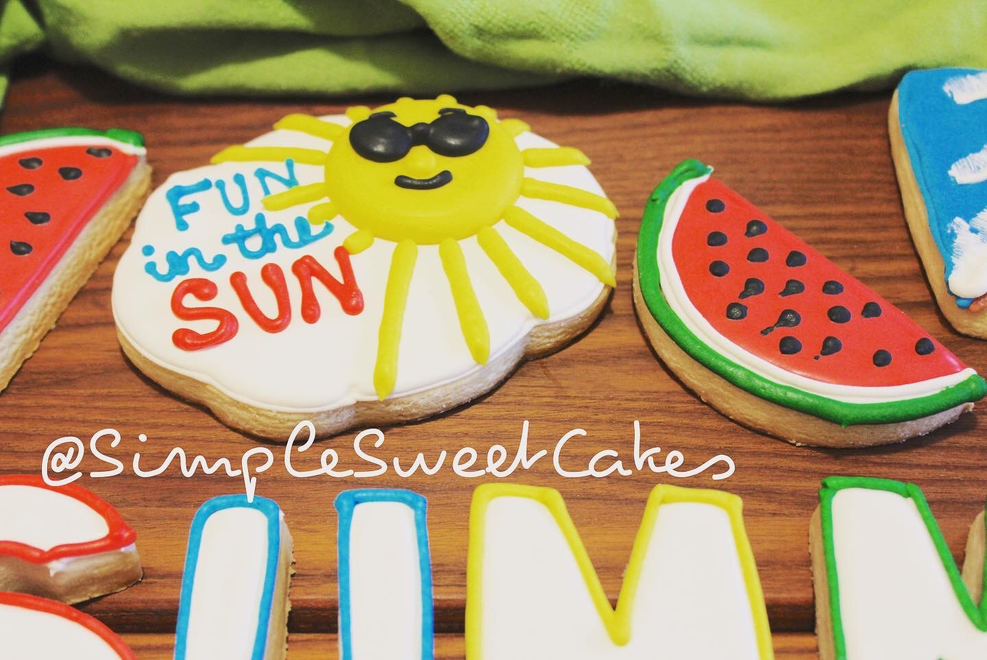 Decorated Sugar Cookie - Fun in the Sun
