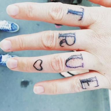 tetování nápis