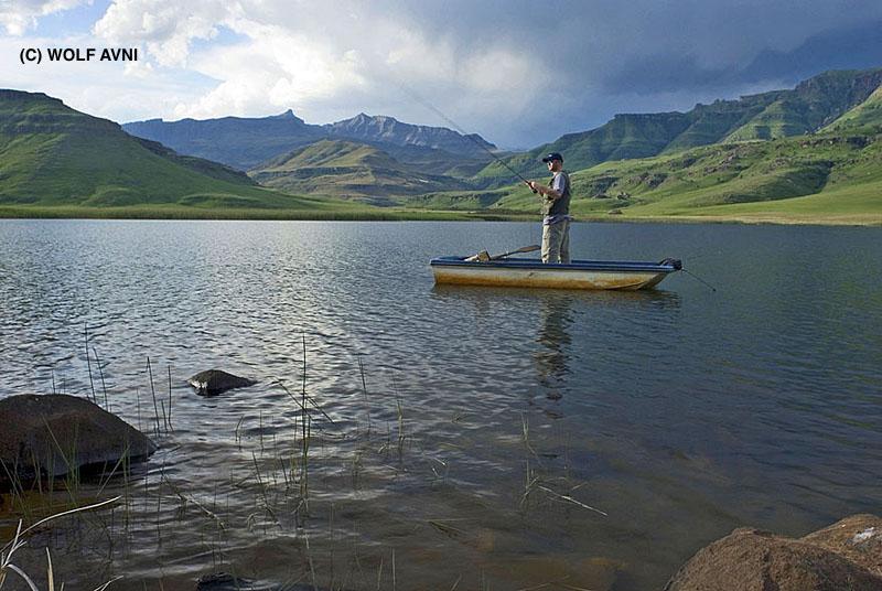 Boat angler Goschen Nov 06 (8)JPG