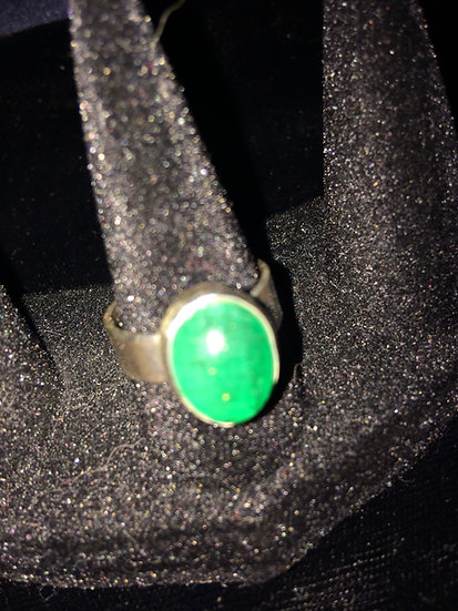 "Green Chrysoprase Gem 6.55 ct size 7-1/4; 2.168"" inner circumferenc 925 S/S Ring"