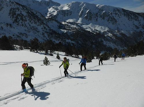 Esquí de muntanya, sortides d'iniciació