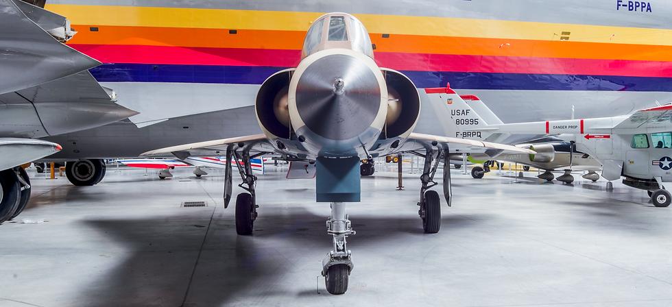 Avion Manatour-4.tif