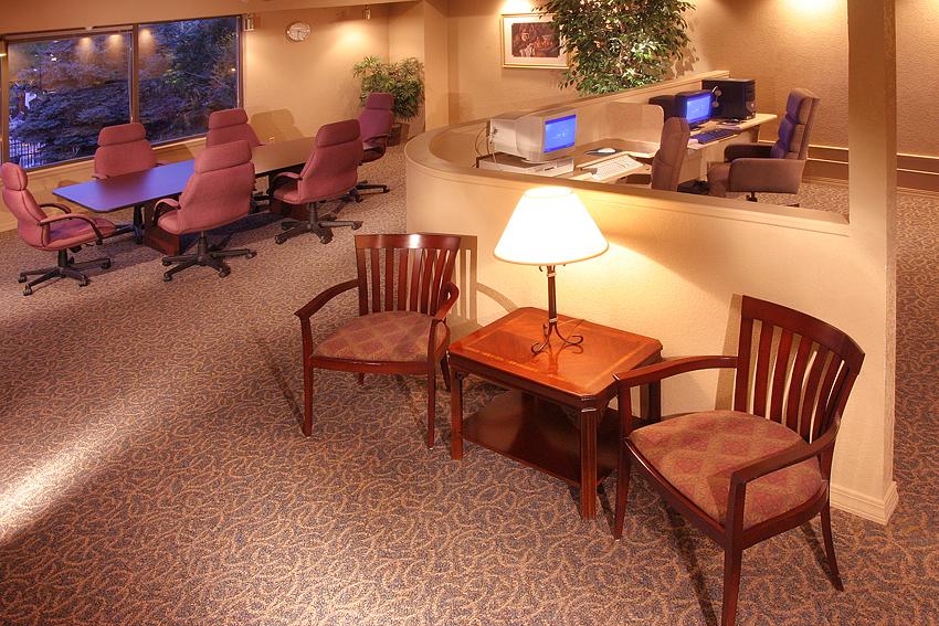 Apartment's Business Cntr Interior