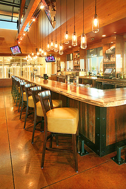 Colorado Restaruant & Brewery, Bar 1