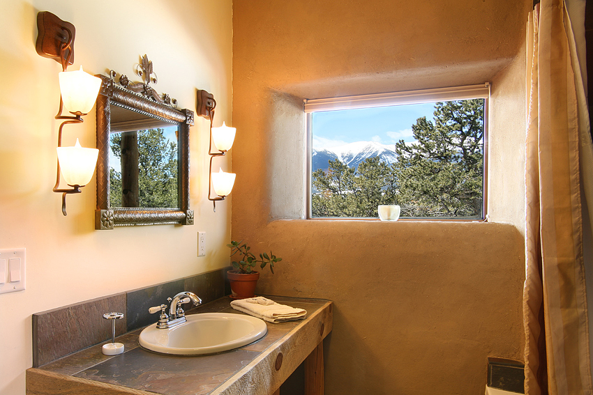 B&B Bathroom with Mtn View