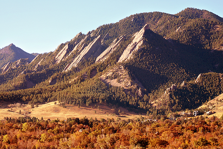 Autumn Morning Sun & Flatiron Mtns