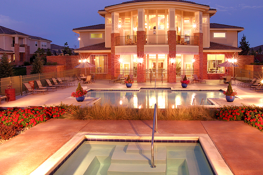 Apartment Clubhouse, Pool & Jacuzzi