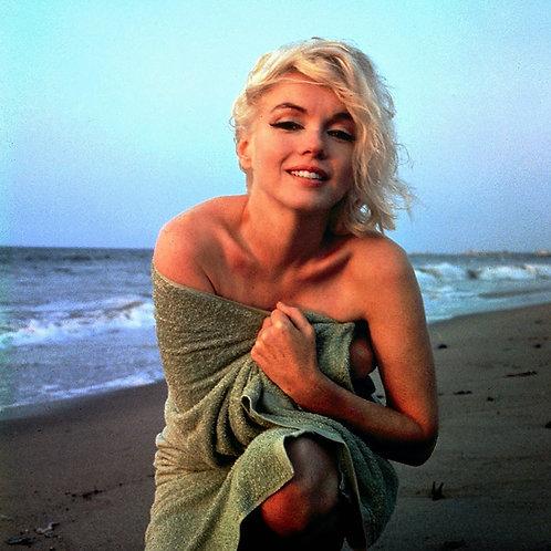 Marilyn Embrace