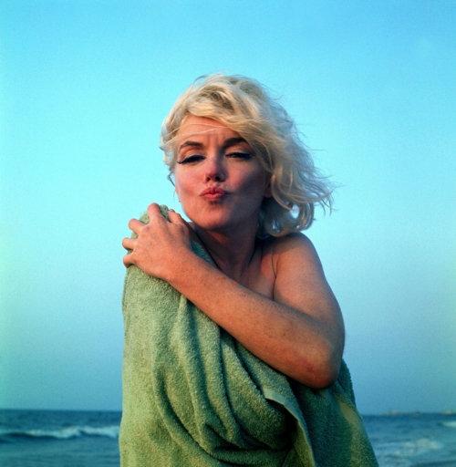 Marilyn Forever Love
