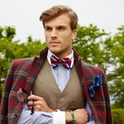 蝶ネクタイとクレリックカラーシャツ